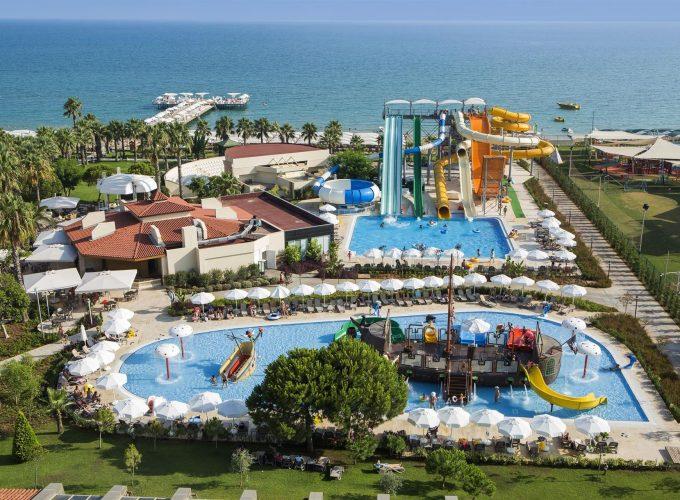 Last Minute! Туреччина: кращі готелі з великими ігровими зонами для дітей від 502€! Дитина з 2 дорослими відпочиває безкоштовно!