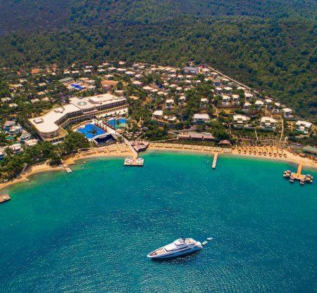 Бархатный сезон в лучших семейных отелях Турции от 830€! Ребенок с 2 взрослыми отдыхает бесплатно!
