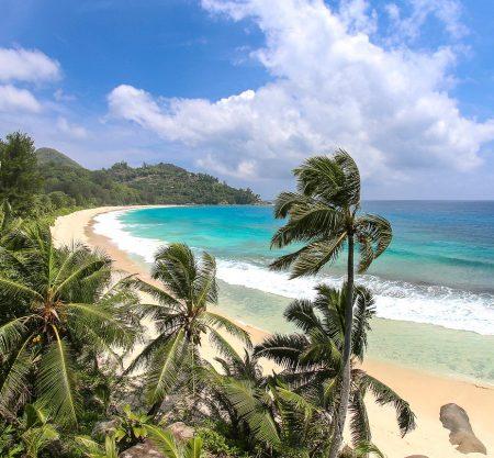 Новый год на Сейшелах: Праслен, Ла-Диг и Маэ за 1828€. Экскурсия со снорклингом по лучшим пляжам Маэ в подарок!